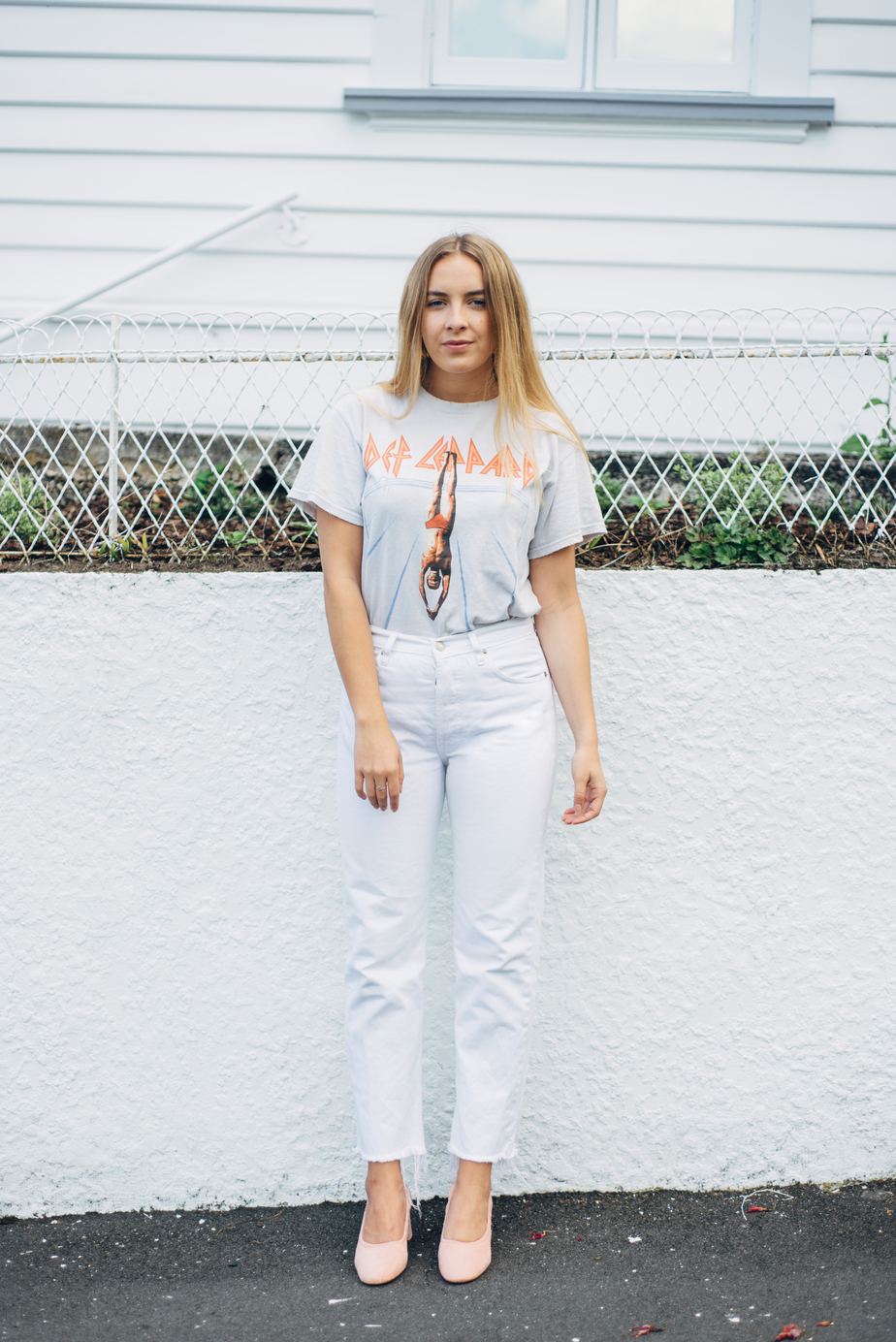 Brandy Melville Tshirt, Vintage Levi Jeans, ASOS Simone Heels and RUBY Earrings   New Zealand Fashion Blogger   Stolen Inspiration